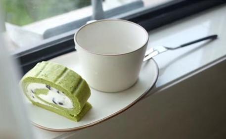 烘焙新手也能轻松做出抹茶蛋糕卷!